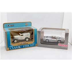 1932 Ford Roadster 1:43 Ertl and 1992 Jaguar XJ 220 1:43