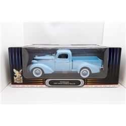 1937 Studebaker Coupe Express pick up 1:18 Road Signature