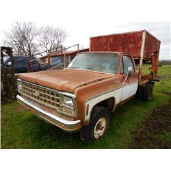 CHEVROLET SILVERADO 20 GRAIN TRUCK; VIN/SN:187F172637 --GAS ENGINE, A/T, SPREADER BODY (BILL OF SALE