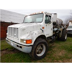 1990 INTERNATIONAL 4900 SPRAYER TRUCK; VIN/SN:1HTSDTVN8LH224970 --S/A, DIESEL ENGINE, 5&2 SPEED TRAN