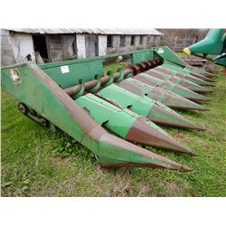 JOHN DEERE 843 HEADER --8 ROW CORN HEADER