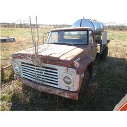 FORD 600 FLATBED TRUCK; VIN/SN:F61CCD85702 --S/A, 5&2 SPEED TRANS, CHEMICAL TANK, 89,977 MILES (BILL