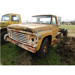 FORD 600 CAB & CHASSIS TRUCK; VIN/SN:F60DCH79526 --S/A, GAS ENGINE, MANUAL TRANS (BILL OF SALE ONLY)