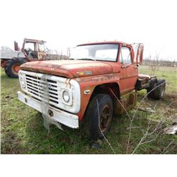 FORD 700 CAB & CHASSIS TRUCK; VIN/SN:F70DVN17246 --S/A, GAS ENGINE, 5&2 SPEED TRANS, 14,724 MILES (B