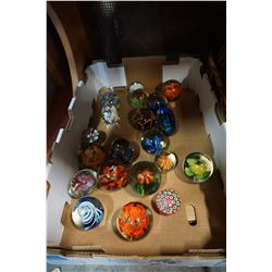 TRAY OF 21 GLASS PAPER WEIGHTS