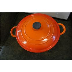 LE CREUSET MADE IN FRANCE ENALMED ON CAST IRON DUTCH OVEN
