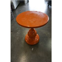 ORANGE LAQUOR SIDE TABLE