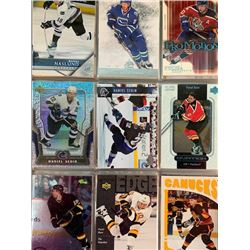 BINDER OF VANCOUVER CANCUKS HOCKEY CARD COLLECTION