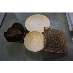 ASSORTMENT OF WOOD AND WICKER TRAYS W/ BASKETS