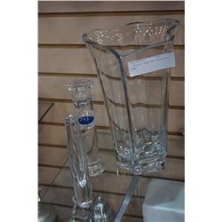 2 CRYSTAL VASES AND HOURGLASS TIMER