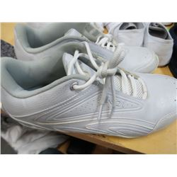 Andi Tennis Shoes Mens 11.5