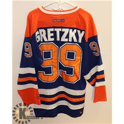 CCM GRETZKY OILERS SIZE M JERSEY.