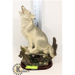 NEW HOWLING WOLF STATUE
