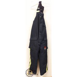 ACTIONWEST FLAME RESISTANT 2XL OVERALLS.
