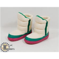 NEW GIRLS RAOUL PINK/GREEN/WHITE SIZE 6/23 KIDS