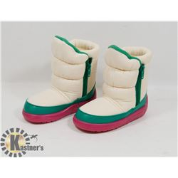 NEW GIRLS RAOUL PINK/GREEN & WHITE SIZE 7/25 KIDS