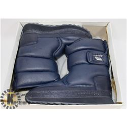 "NEW ""DASH"" NAVY BLUE MARINE BOYS SIZE 13 KIDS"