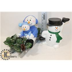 TRAY HOLDING SNOWMAN WITH SNOWMAN IN SLEIGH.