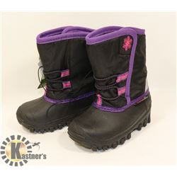 WEATHER SPIRITS GIRLS SIZE 7 WINTER BOOTS.