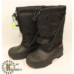 WEATHER SPIRITS BOYS SIZE 13 BLACK WINTER BOOTS.