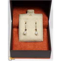 10 KT GOLD PEAR EARRING SET -