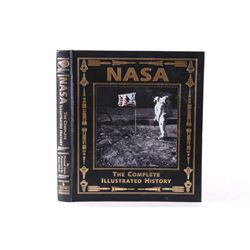 Buzz Aldrin Signed Nasa Complete Illus. History