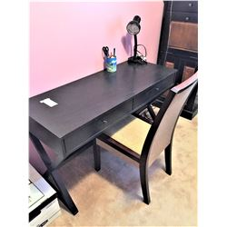 Black Desk C