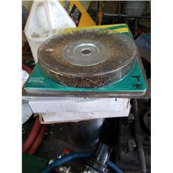 Lot of 2 Wires Brusches & 2 Green Grinding Wheel