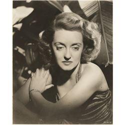 Bette Davis (12) portrait and scene photographs.