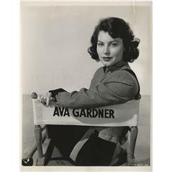 Ava Gardner (40+) photographs.