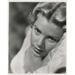 Beautiful leading ladies (22) photographs featuring Grace Kelly, Rita Hayworth, and Raquel Welch.