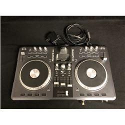 iDJ3 Complete Digital DJ System   Numark
