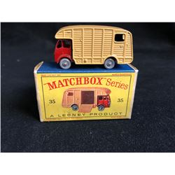 Matchbox Series #35 Mharshall Horse Trailer