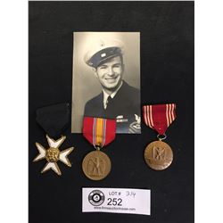 A Group of WWII US Medals and a Photo of a Soldier