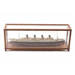 19PR-11 TITANIC MODEL