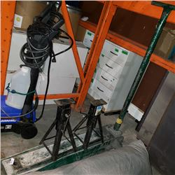 HEAVY DUTY GREEN FLOOR JACK MISSING LIFTING PLATE AND OTHER MINOR ISSUES