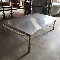SHORT STAINLESS TABLE