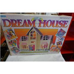 BLUE BOX VINTAGE LIGHT UP DREAM HOUSE