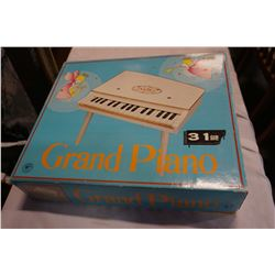 VINTAGE MELODICA GRAND PIANO FOR KIDS