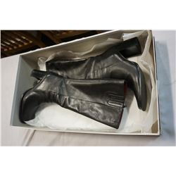 NEW PAIR OF LADIES BOOTS SIZE 37