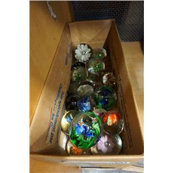 TRAY OF 20 ART GLASS PAPER WEIGHTS
