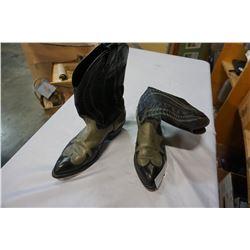 LEATHER COWBOY BOOTS SIZE 8-1/2 LARADO