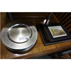 14 HUNTING SCENE PLACEMATS AND 12 CHARGER PLATES