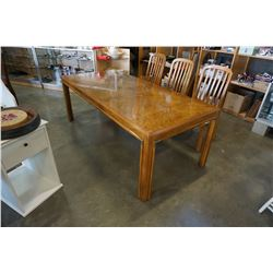 VINTAGE WOOD DINING TABLE WITH 2 LEAFS AND 6 CHAIRS