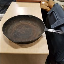 NUMBER 10 CAST IRON FRYING PAN