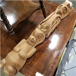 WOOD CARVED NATIVE TOTEM POLE 3FT TALL APPROX W/ CHIPPED FOOT
