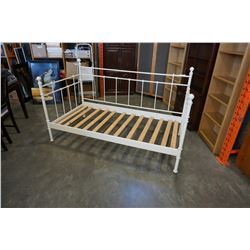 SINGLE WHITE DAYBED FRAME