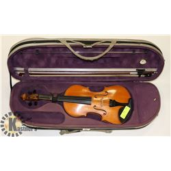 NATURAL VIOLIN WITH DELUXE CASE & BOW.