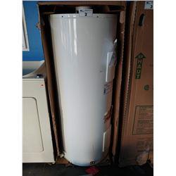 GIANT GREEN FOAM EXPERT PLUS 8 ELECTRIC WATER HEATER (MODEL 172STE-3S8M-E8)