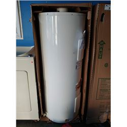 GIANT GREEN FOAM EXPERT PLUS 8 ELECTRIC WATER HEATER (MODEL 172STE-3S8M-E8)